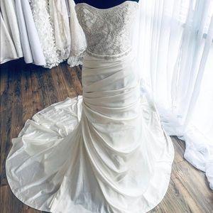 Wedding dress size8/Casablanca 2097